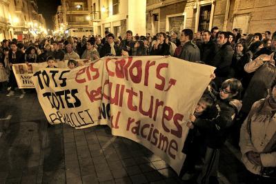 Gran èxit de la concentració contra el racisme a Benimaclet